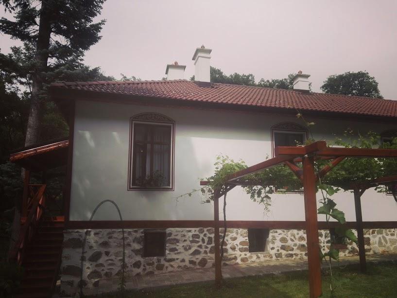 """сграта в Дивотинския манастир """"Св.Троица"""""""
