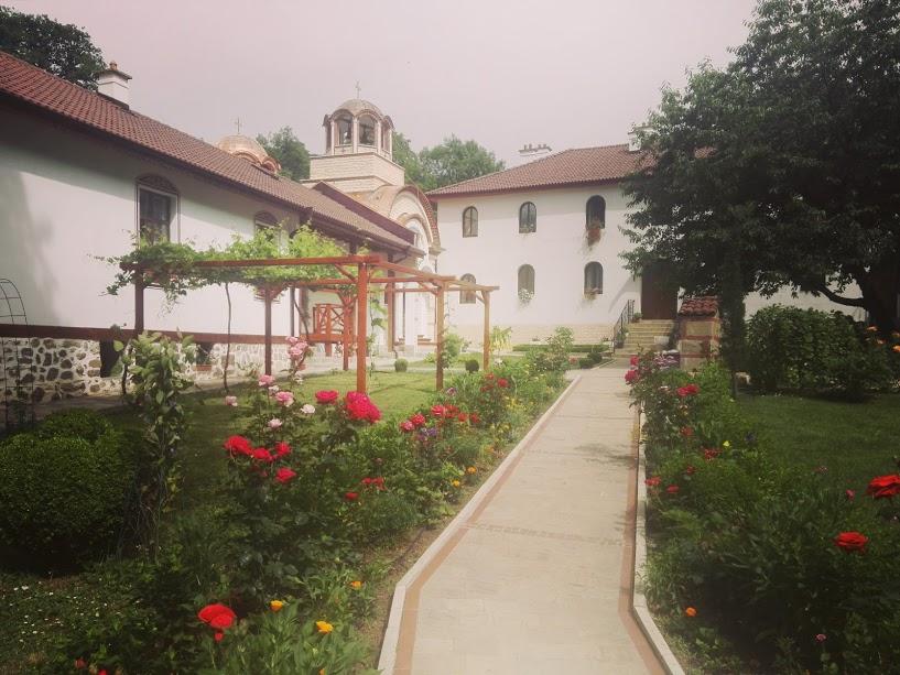 В Дивотинския манастир се съчетават духовност и прекрасна природа