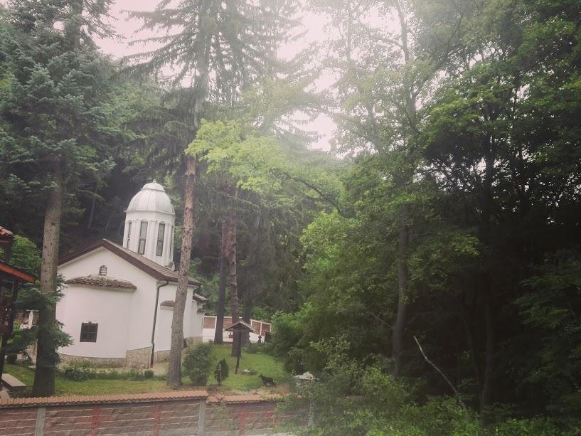 Дивотински манастир в Люлин планина