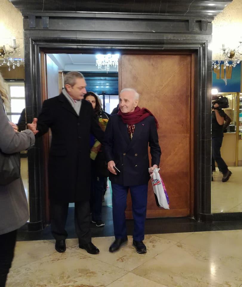 Шарл Азнавур стъпва на българска цемя, Артквартал